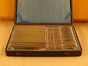 12 Tea knives in orig. box, marked N.E.Crittenden(OH)