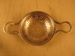 Tea strainer by Int