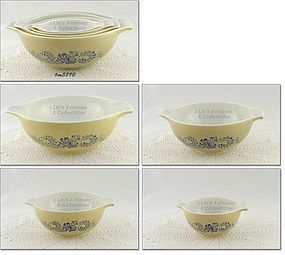 PYREX – HOMESTEAD PATTERN 4 PIECE NESTED BOWL SET