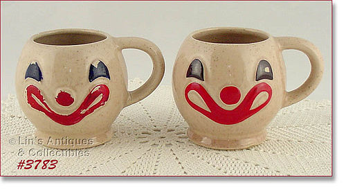 McCOY POTTERY – PAIR OF VINTAGE CLOWN FACE MUGS / CUPS