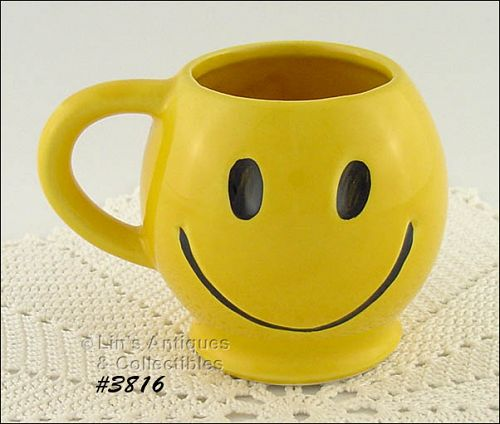 McCOY POTTERY – SMILE HAPPY FACE MUG / CUP