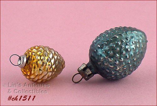 TWO VINTAGE GLASS ORNAMENTS