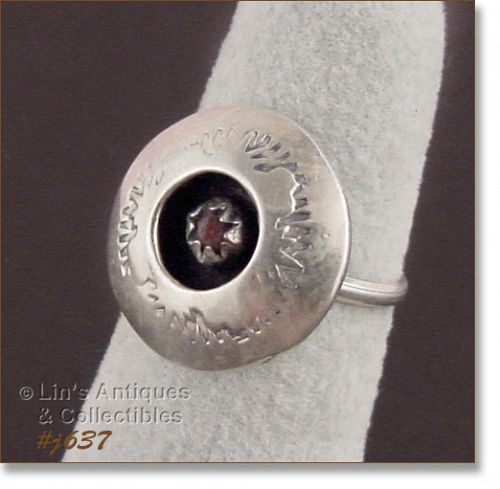 VINTAGE HAND-CRAFTED SILVER RING