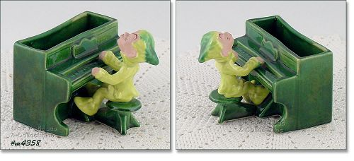 DRUMMOND POTTERY – PIXIE PLAYING A PIANO PLANTER