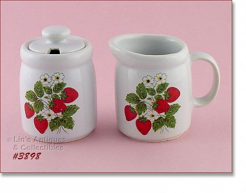 McCOY POTTERY – STRAWBERRY COUNTRY CREAMER AND SUGAR