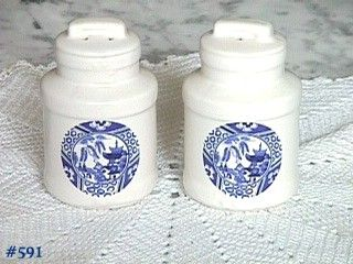 McCOY POTTERY -- BLUE WILLOW SALT AND PEPPER SET