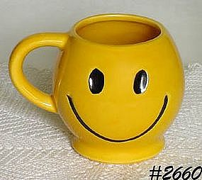 McCOY POTTERY -- SMILEY (HAPPY) FACE MUG
