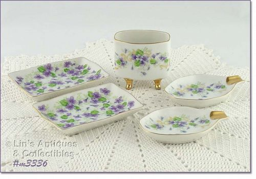 "LEFTON ""VIOLETS"" SMOKING SET"