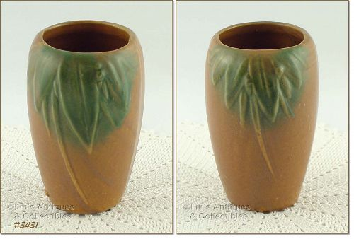 """McCOY POTTERY – LEAVES AND BERRIES STONEWARE VASE (6"""")"""