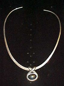 Modern collar necklace with hemotite slide pendant 925