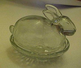 LE Smith clear bunny rabbit on nest covered candy dish