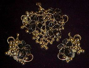 Vintage Sarah Coventry grape pin/pendant & earrings