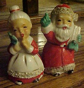 Old  Santa and Mrs Claus spaghetti trim shakers