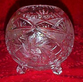 Beautiful  lead crystal buzz star  cut rose bowl