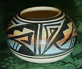 Authentic American Native American Navajo miniature pot