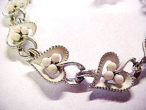 Sweet vintage linked  white hearts choker and earrings