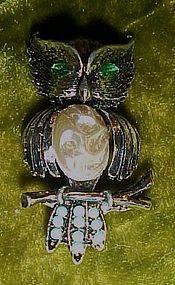 Vintage owl pin rhinestone eyes and pearl belly