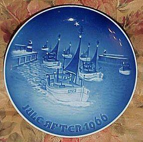 1966 Bing Grondahl Home for Christmas plate Ships