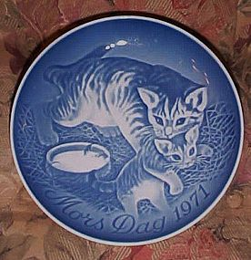Bing Grondahl Mothers Day plate  cat and kitten 1971