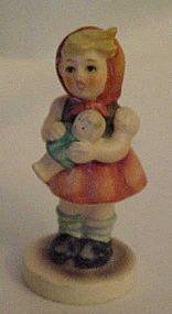 Hummel 239/B figurine  girl with doll 1967