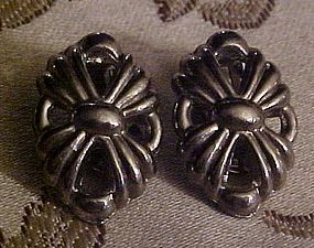 Vintage Ballou silver clip earrings