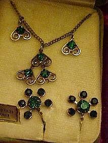 Emerald green rhinestone pendant with earrings