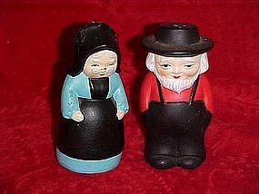 Old Amish couple salt and pepper shaker set