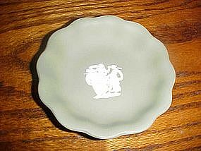 Green  Wedgewood jasperware pin dish, three ladies