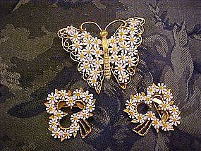 Butterfly and clovers cluster pin set