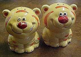 Tiger cub  or tabby cat salt and pepper shakers