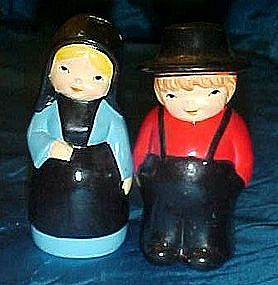 Amish couple ceramic salt and pepper shakers