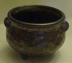 McCoy bronze hammered look three leg kettle #7634